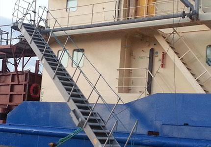Accommodation ladder for dredge vessel